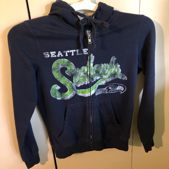 huge selection of 2b1a0 bb75f Seattle Seahawks sweater (official NFL gear)